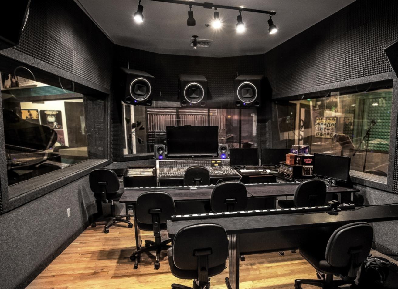 Sticla izolare fonica studio radio